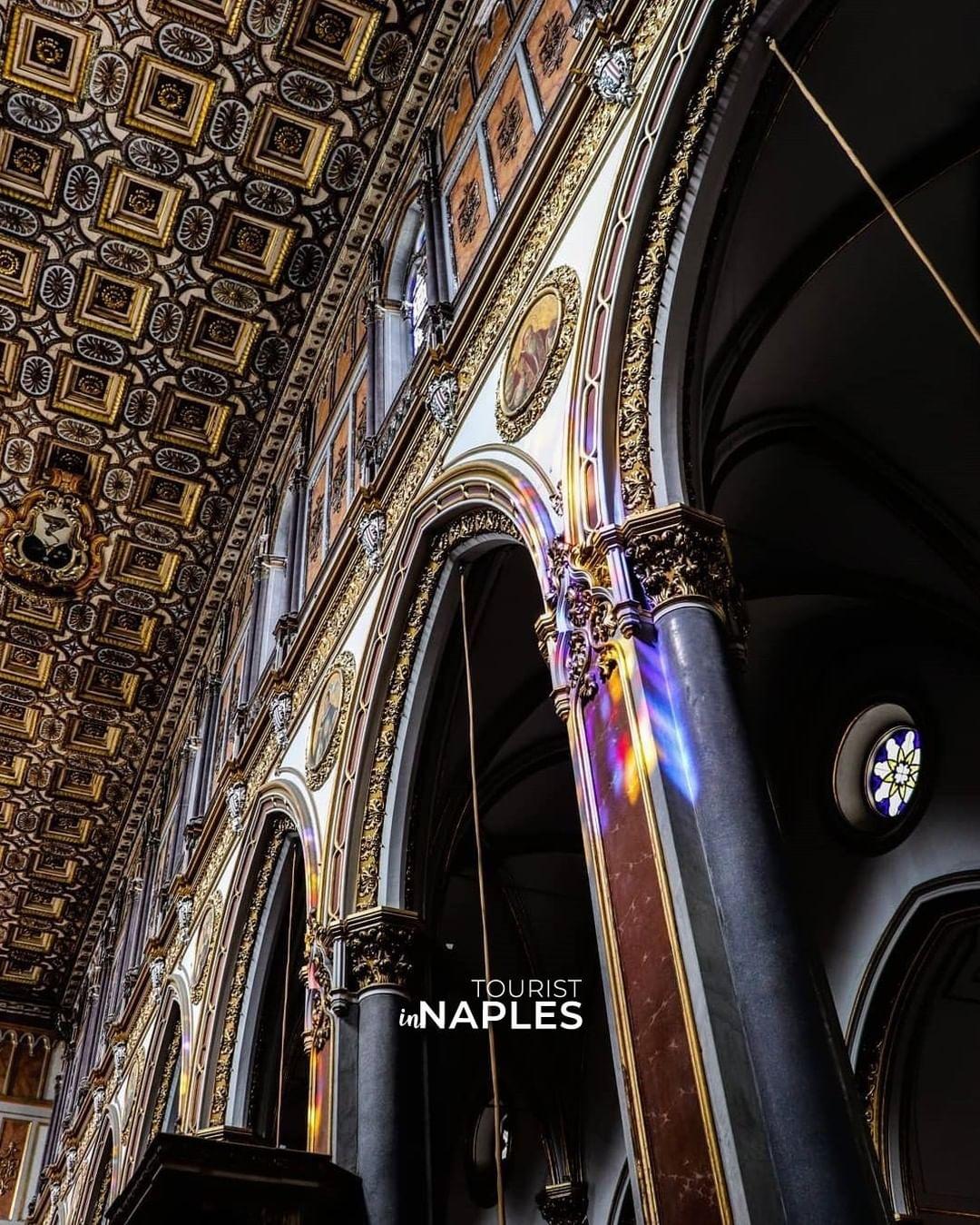El Espacio de los Napolitanos: Iglesia de San Domenico Maggiore