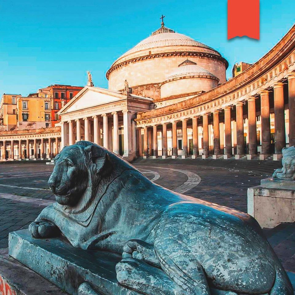 El Espacio de los Napolitanos: Plaza Plebiscito
