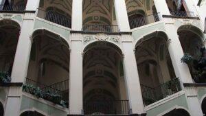 palazzo_spagnuolo_scale_di_napoli