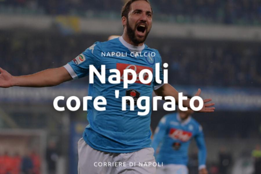 Napoli core 'ngrato, dall'azzurro al bianconero