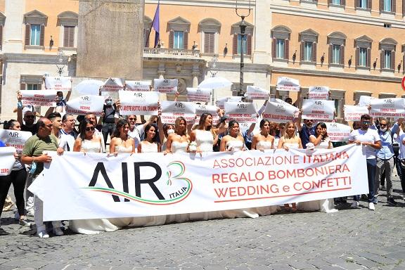 L'Associazione Italiana Regalo Bomboniera in protesta
